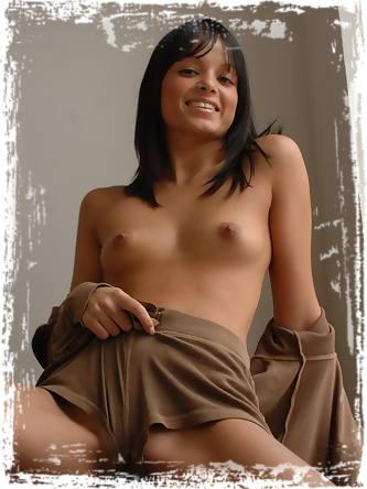 Girl Folio Erotic Photos