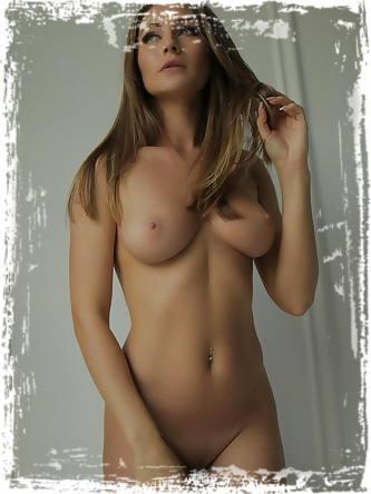 StasyQ Erotic Photos