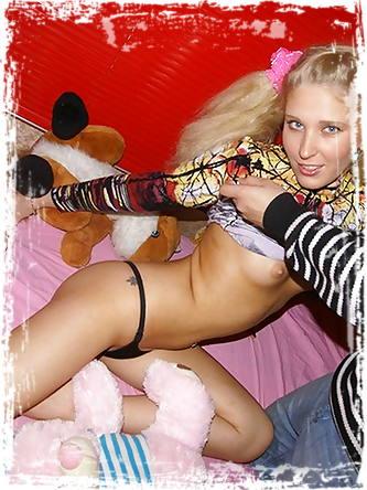 Young Libertines Erotic Pics